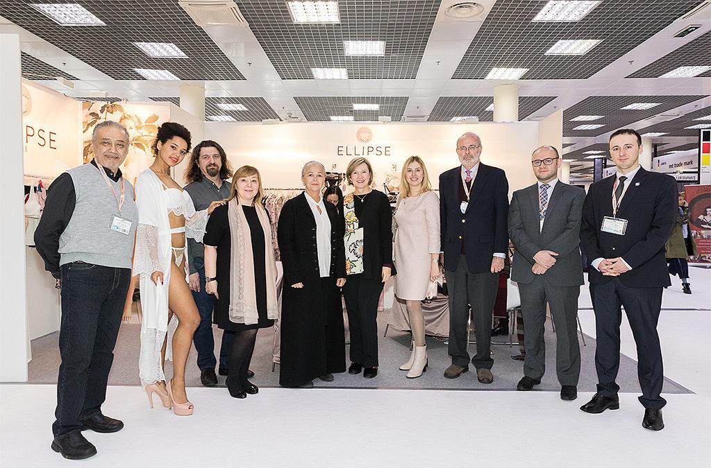 Общая фотография организаторов и участников выставки CPM 2018 февраль